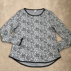 Women's Floral Print Blouse with Pockets!!